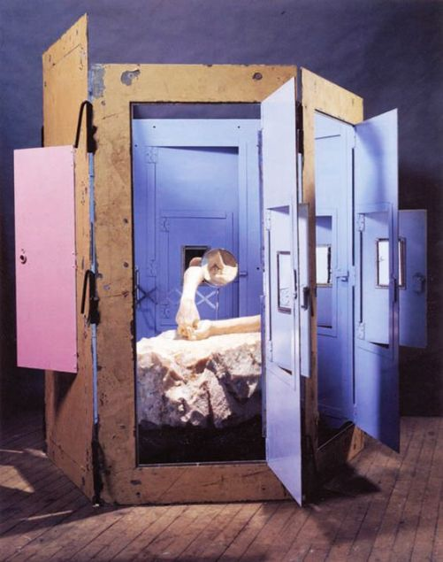 bourgeois-cell-hands-and-mirror-1995